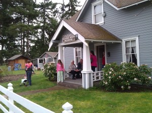 Prairie House Museum, Shirley Zlock (in the doorway) is the current president and a descendant of the Wrights from the Naches Trail Longmire wagon train