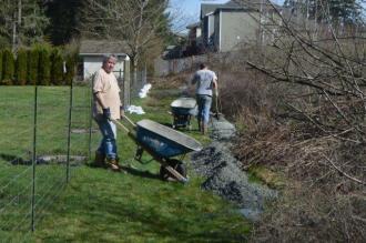 Neighbors helping the Pike's